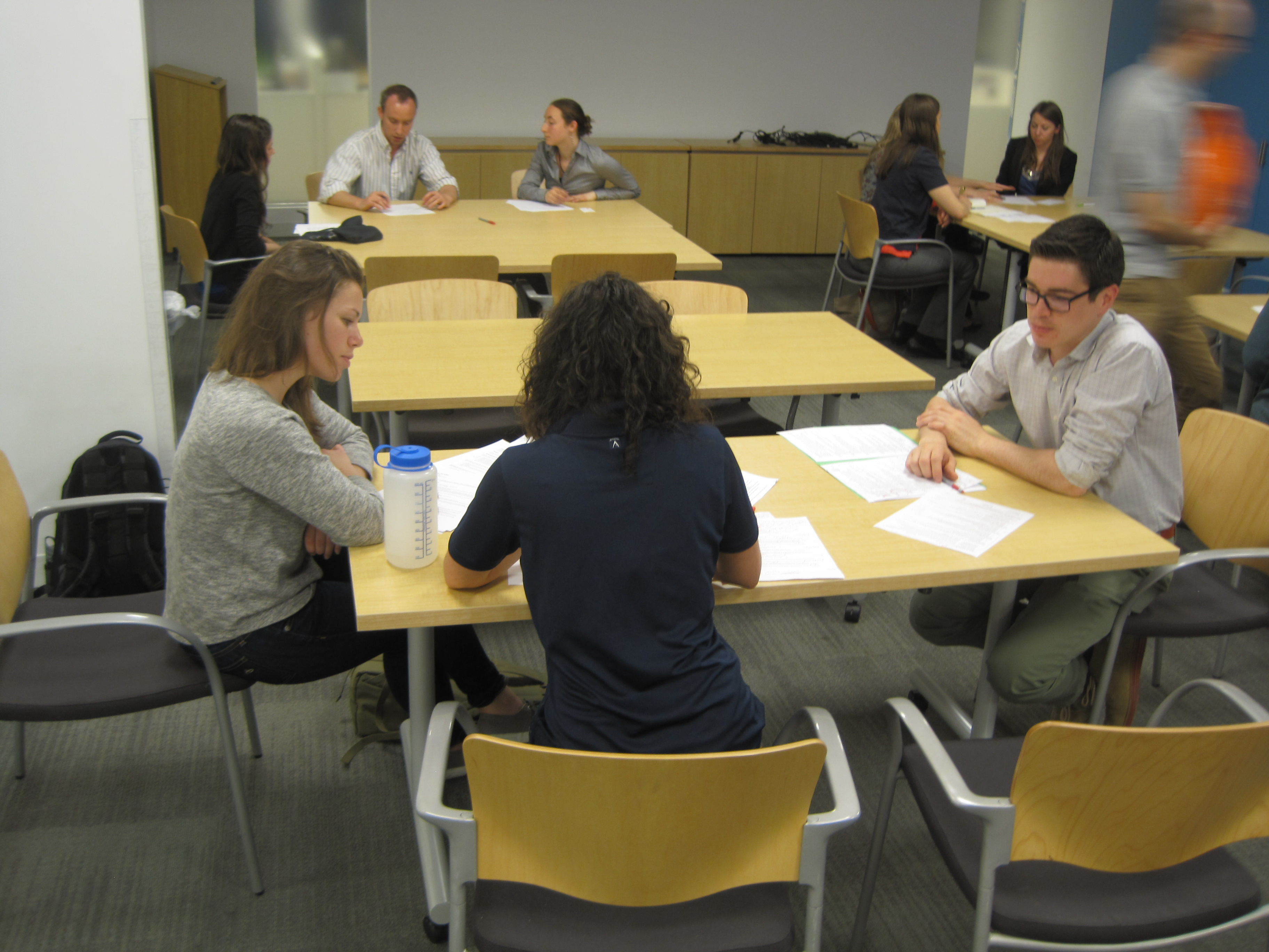 job speed dating gelsenkirchen Have you ever heard of speed dating it's an opportunity for people to quickly meet a large number of people to date potentially attendees are paired with each person attending the session for two minutes.